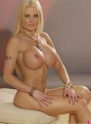 Kelly Bell 07
