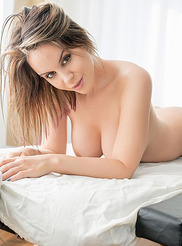 Bryci Massage Me 01