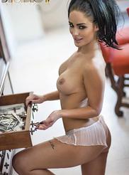 Alexandra Louise 08
