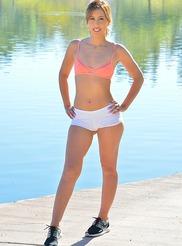 Demi Sporty Style 02