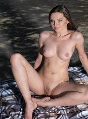 Anita E 13