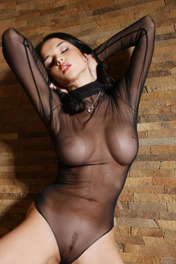 image Wankz busty tattooed angel mariah gets stretched