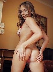 Sexy Hilda 06