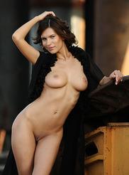 Suzanna Yamazi 05