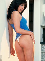 Nadia Vasi 02
