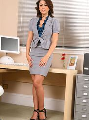 Naughty Secretary 00