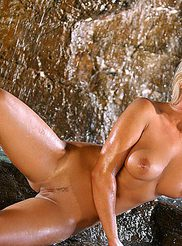 Amy Leigh Andrews 11