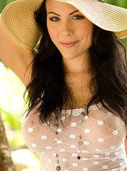 Katie Evan 00