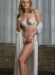 Busty Blonde Liz 03