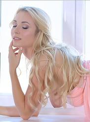 Ella Pastel Erotique 08