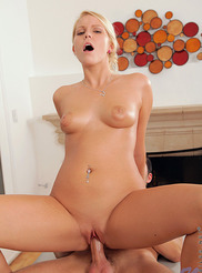 Vanessa Cage 16