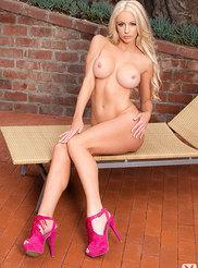 Nicolette Shea 10