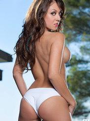 Victoria Marquez 01