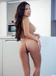 Thuy Li 06
