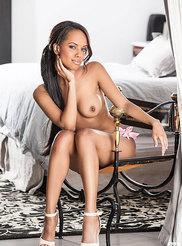 Amina Malakona 06