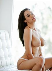 Andrea Leilani 07