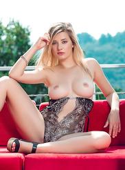 Anna Tatu 04