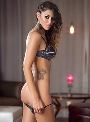 Vanessa Alvar 04