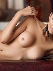 Vanessa Alvar 12