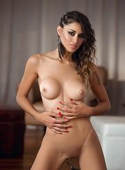 Vanessa Alvar 16