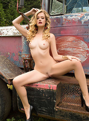 Olivia Preston 07