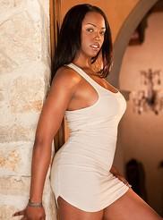 Monique Moore 01