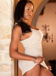 Monique Moore 02