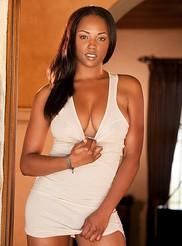 Monique Moore 03