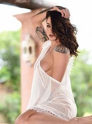 Mica Martinez 05