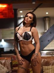 Gemma Massey 09