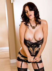 Vanessa Veracruz 03