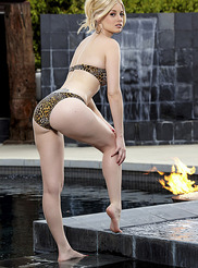 Charlotte Stokely 02