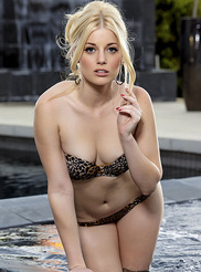 Charlotte Stokely 05