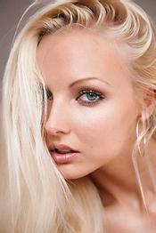 Sexy Blonde Melanie
