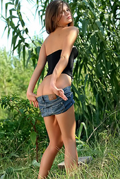Caprice Totally Hot