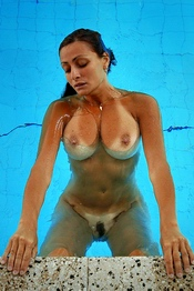 Gretta - Pool
