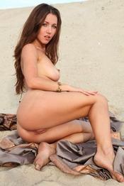 Sexy Brunnete Babe