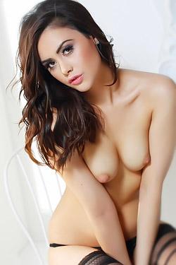 Shannon Sexy Brunette