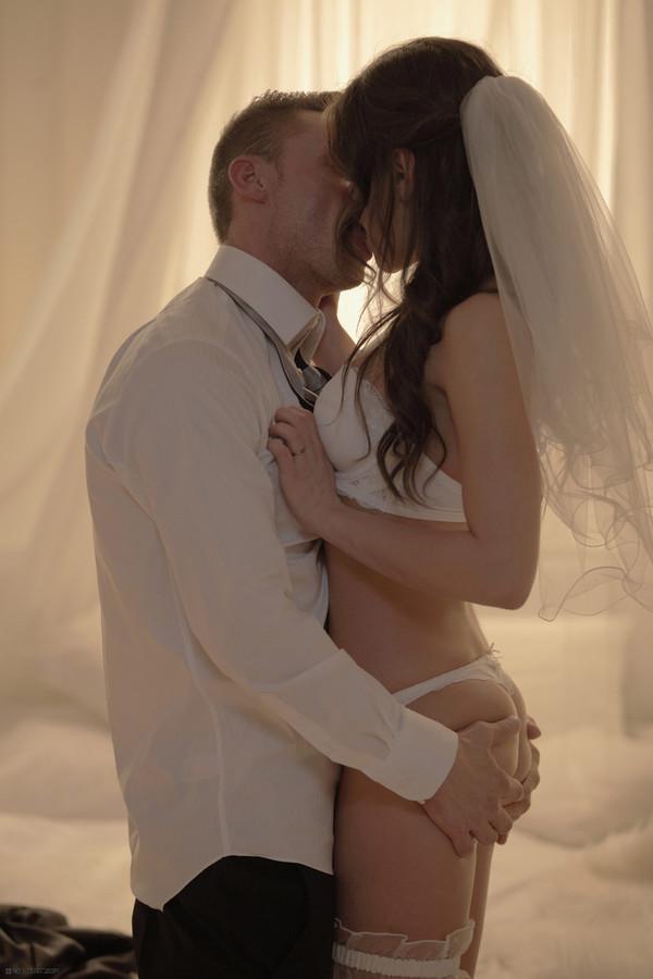 брачная ночь фото невест порно